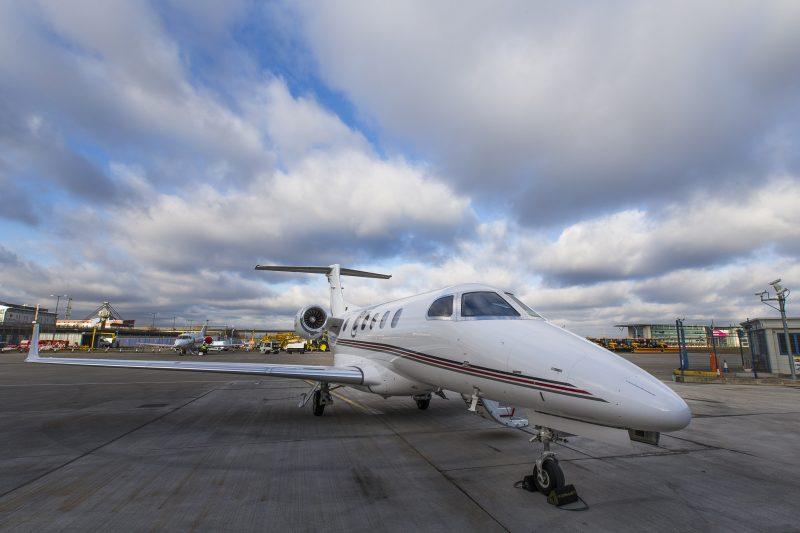 Phenom Jet 300 NetJets società di Warren Buffett