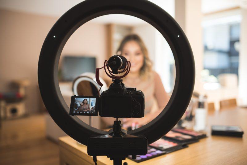 vlogger al lavoro