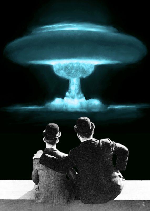stanlio e olio guardano un fungo nucleare