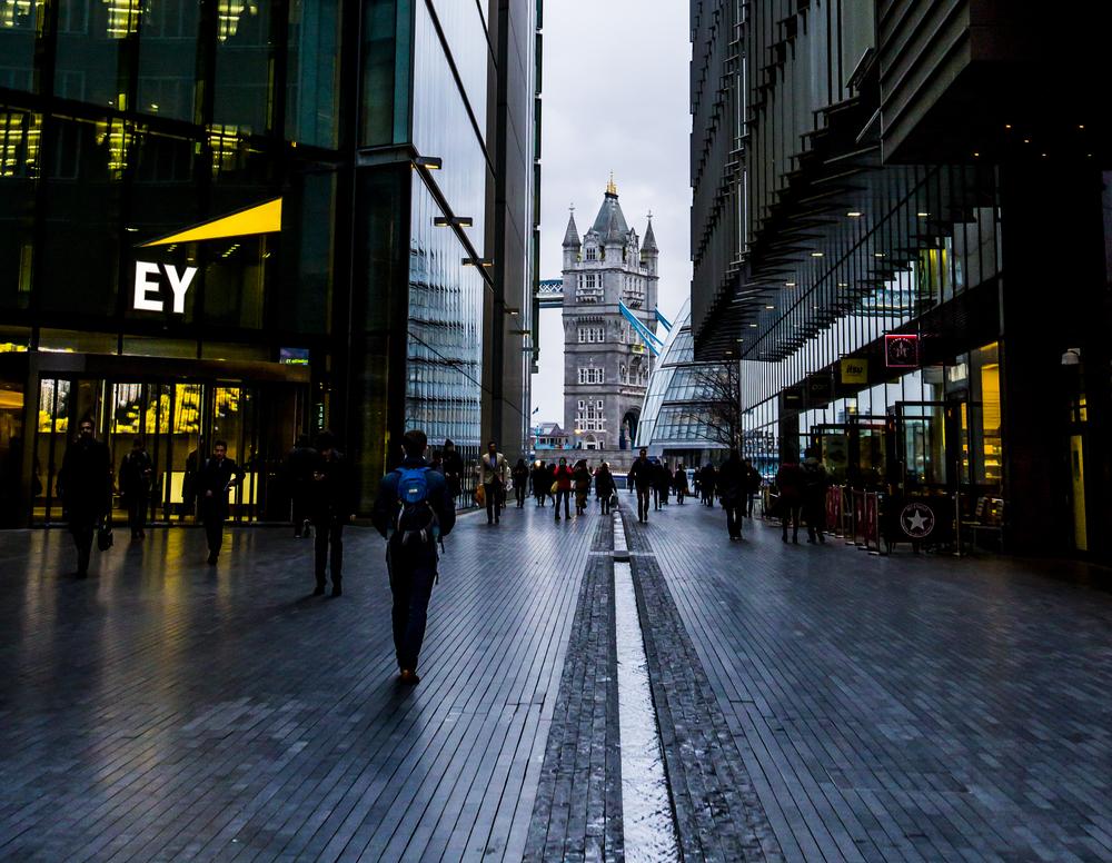L'ingresso della sede londinese di Ernst & Young