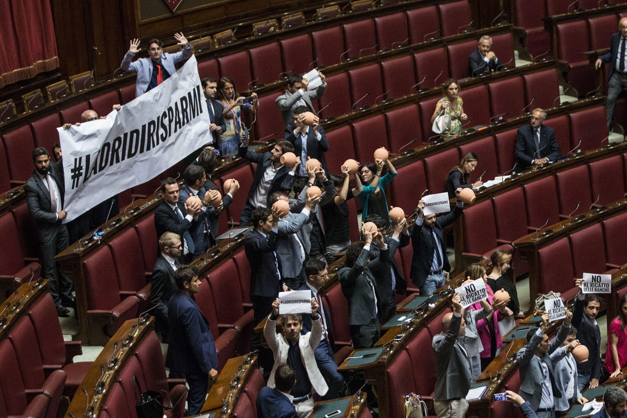 In parlamento si discute di banche