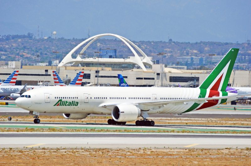 aereo alitalia all'aeroporto di Los Angeles