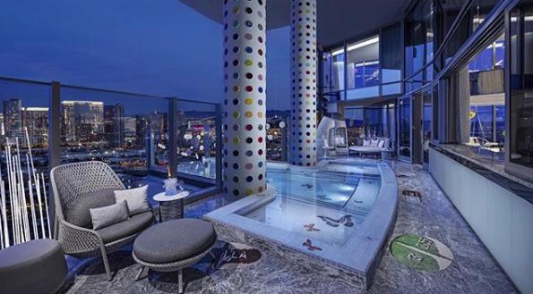 colonne acqua piscina