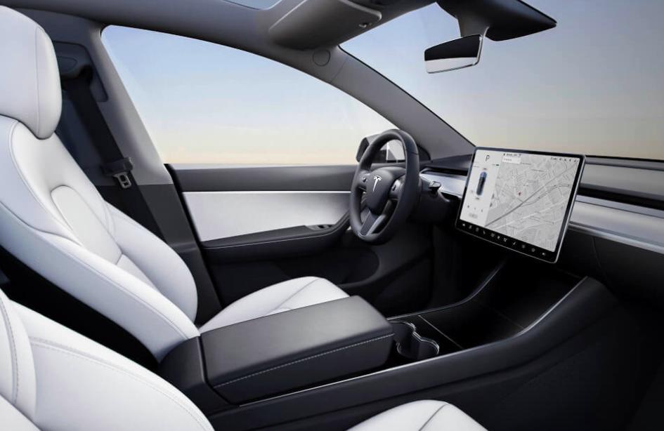 Tesla Model Y - Interni