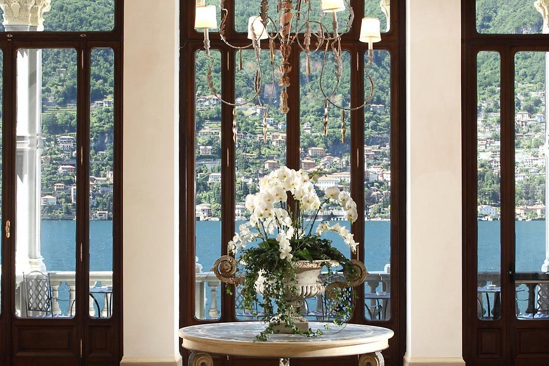 vetrata finestra fiori