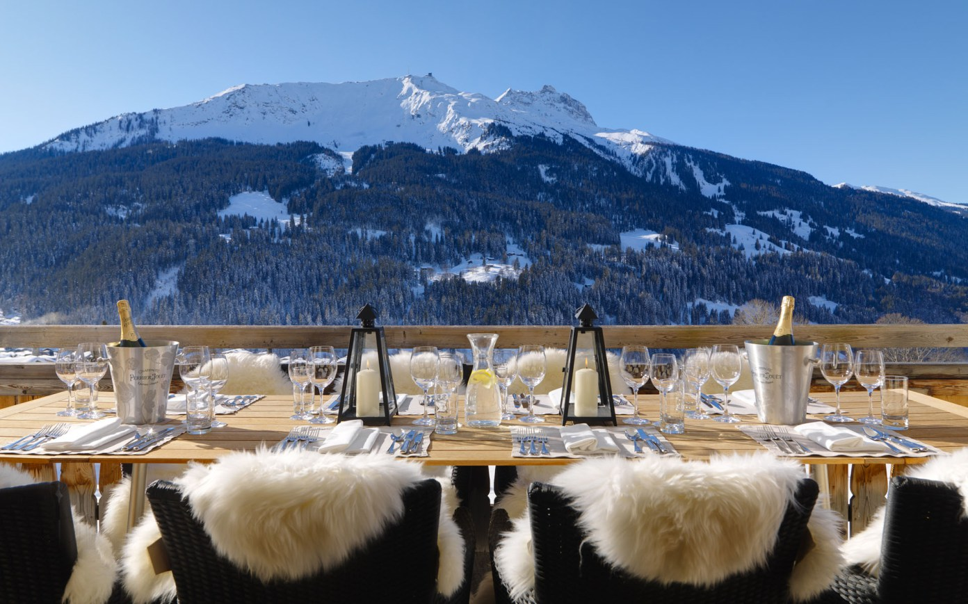 montagne neve tavolo