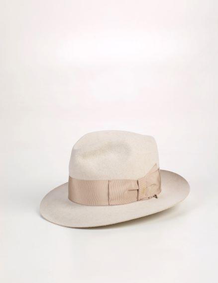 cappello modello