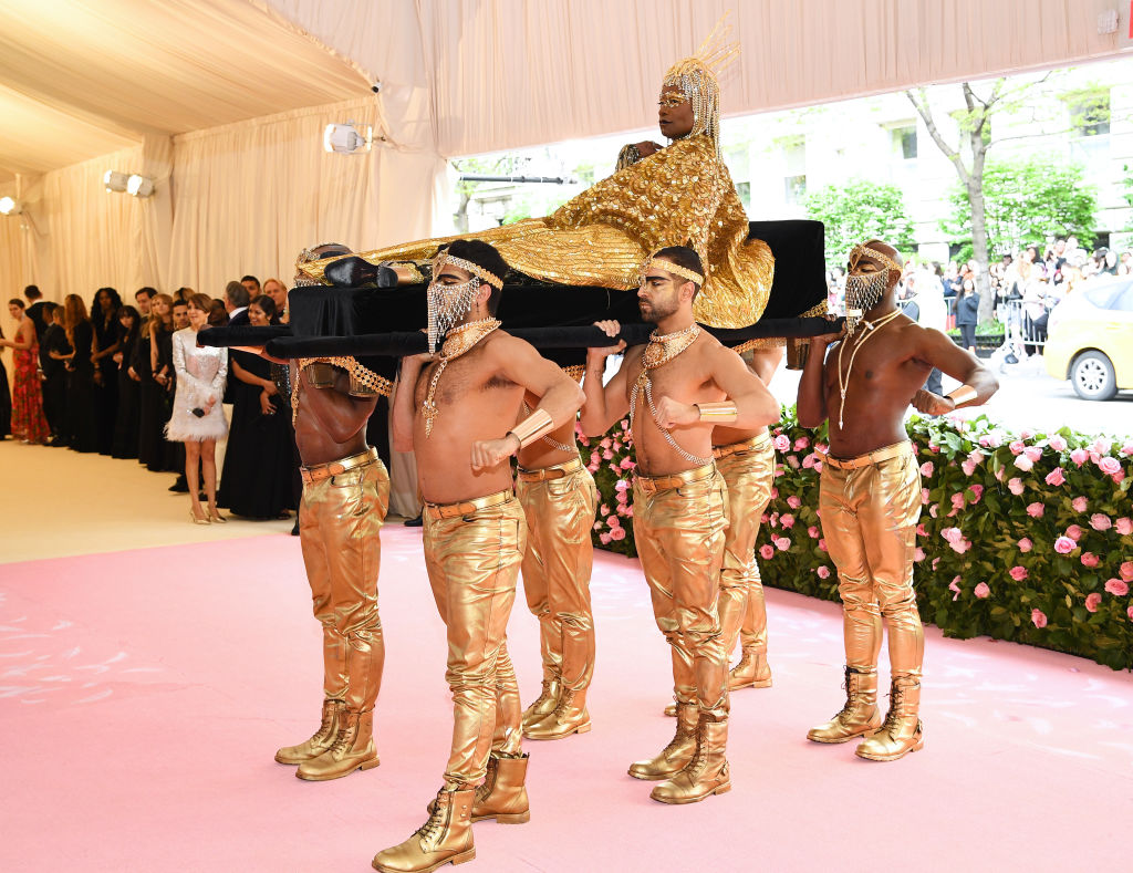 oro dorato persone