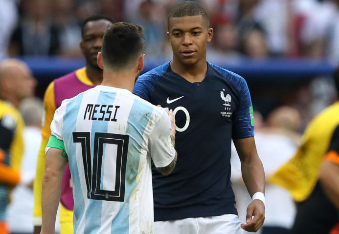 messi e mbappè in campo