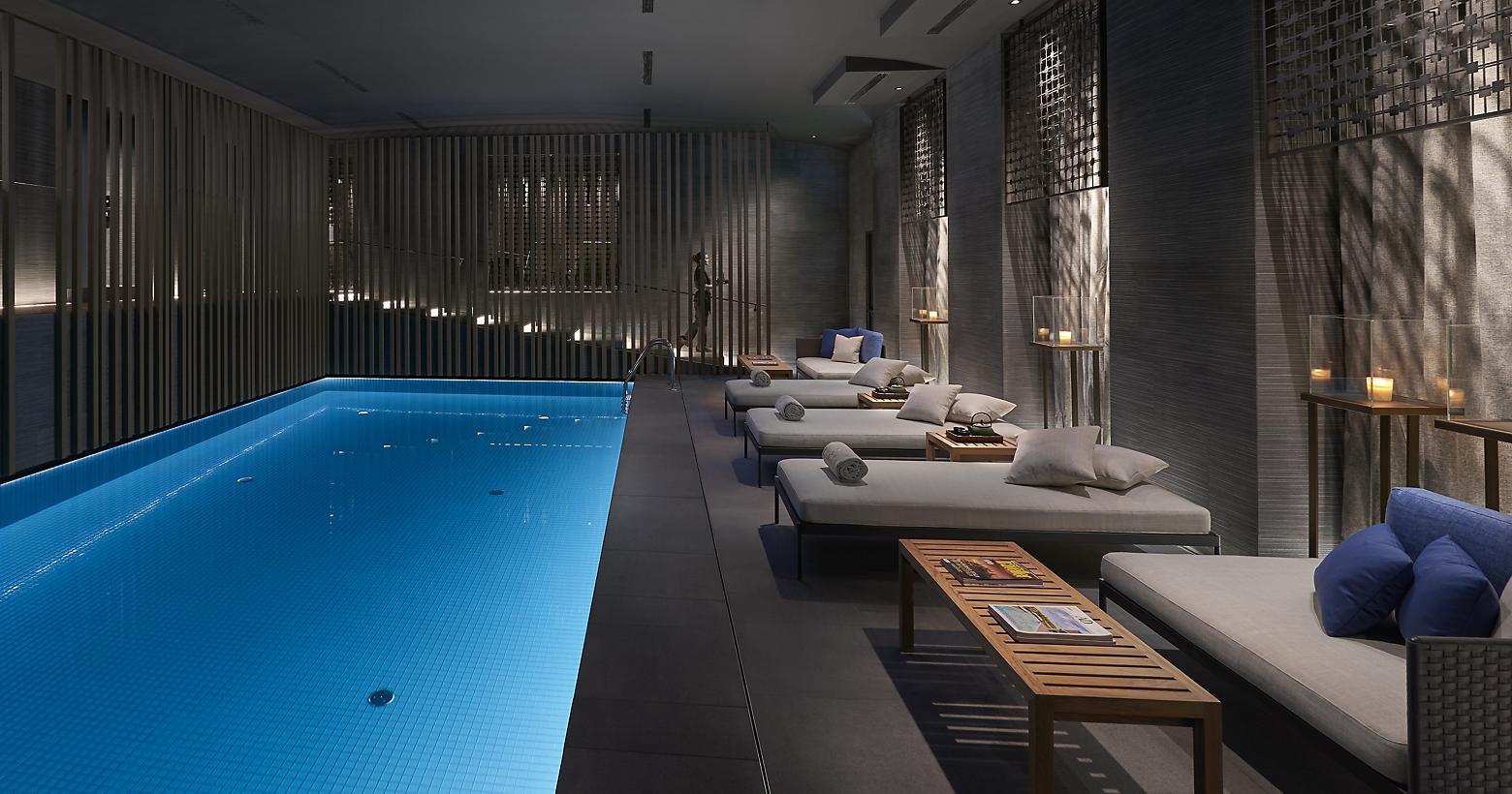 piscina sedie tavoli