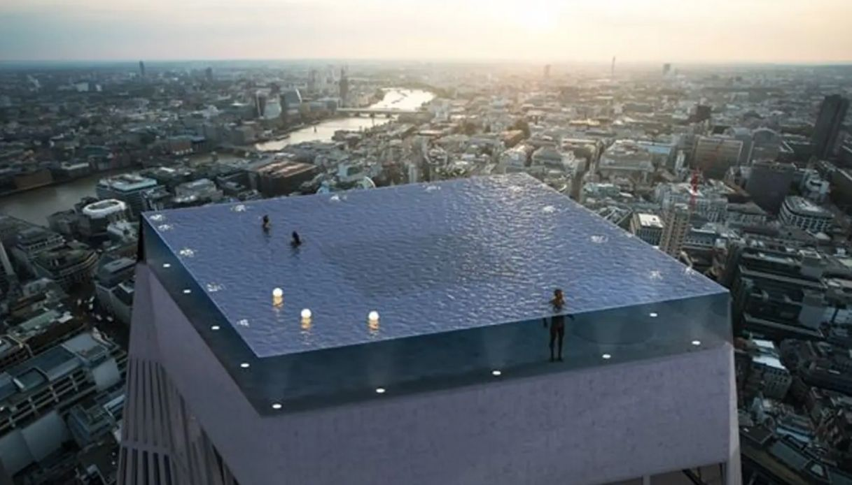 infinity pool: a Londra la piscina a sfioro più belle del mondo