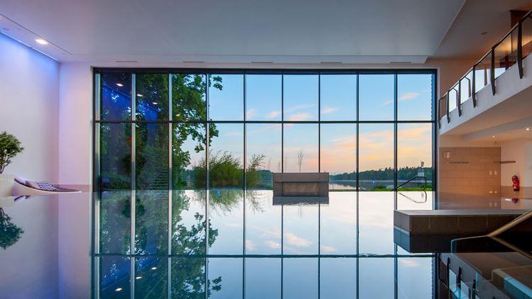 piscina vetri