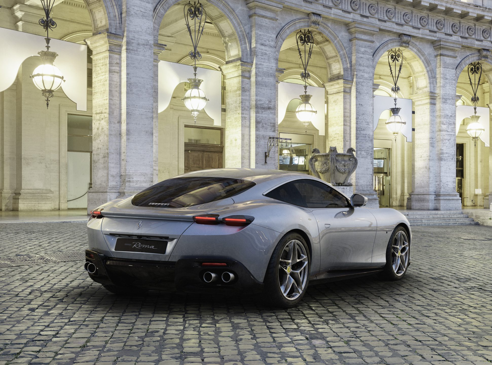 Nuova Ferrari Roma