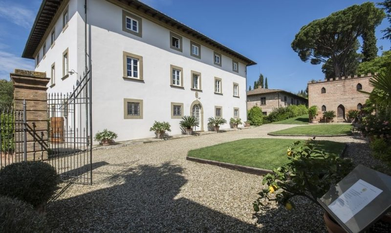 Lavoro dei sogni: Property tester - Case di lusso: villa storica nel cuore della toscana