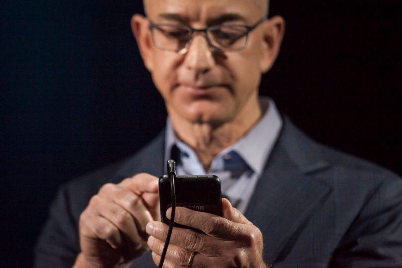 Hackerato il telefono di Jeff Bezos