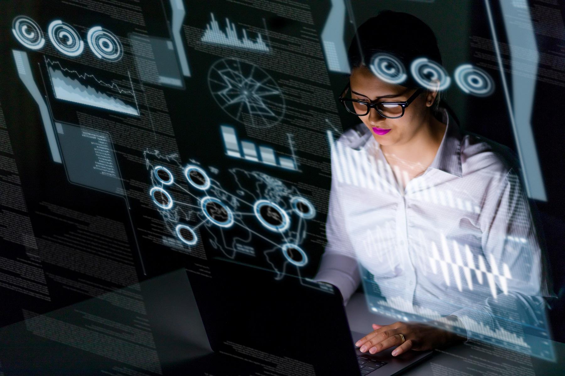 Donne e lavoro, offerta: EY e Work Wide Women cercano 200 diplomate Ict