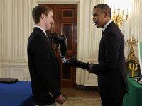 il genio della robotica Easton LaChappelle incontra il presidente Barack Obama