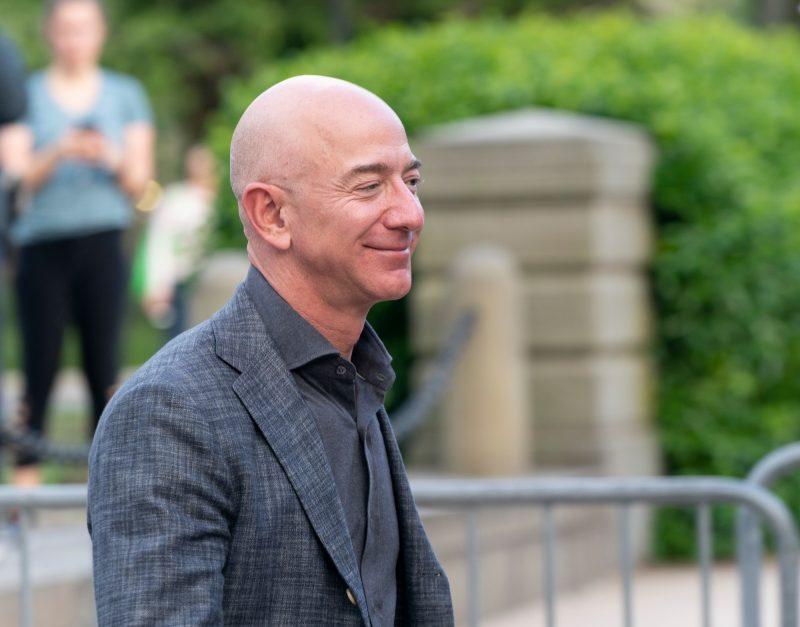 Jeff Bezos, amazon fondo per comprare casa