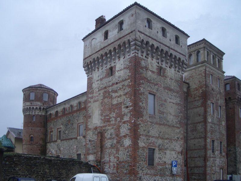 Aste immobiliari: dal castello all'isolotto, gli immobili di prestigio in vendita in Italia