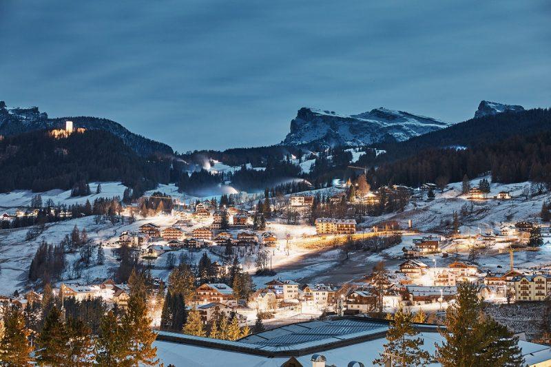 Cortina d'Ampezzo e Courmayeur tra le prime 10 località sciistiche più esclusive al mondo