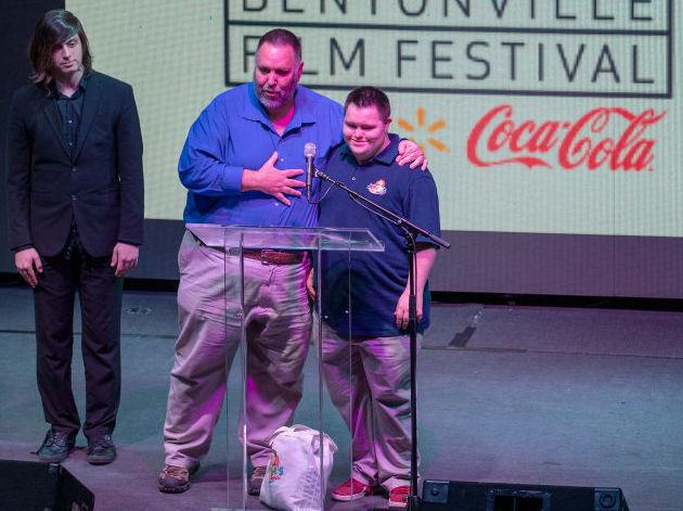 Disabilità: John Cronin, primo Imprenditore dell'anno con sindrome di down