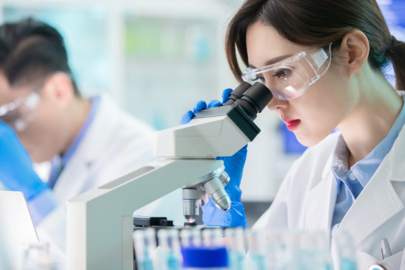 Laboratorio medico cinese - ricerca vaccino coronavirus