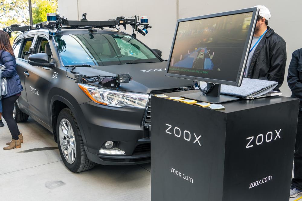 Amazon punta la startup di robotaxi Zoox, avviate le trattative per l'acquisto