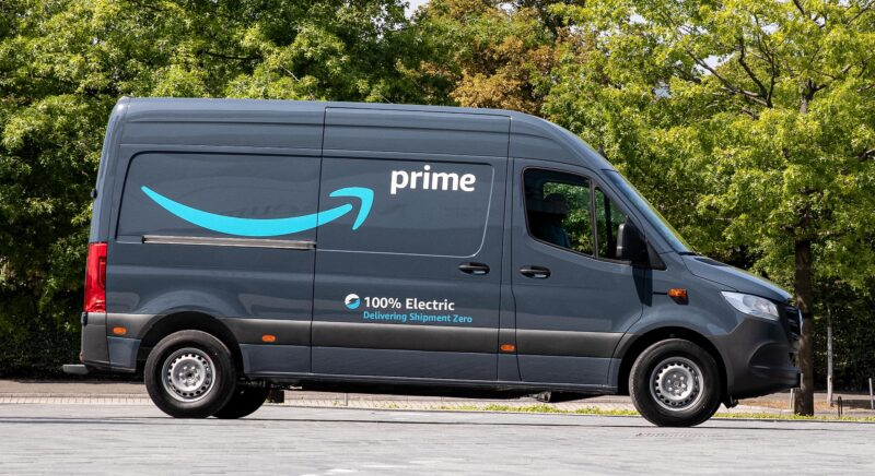 Mercedes-Benz van per Amazon