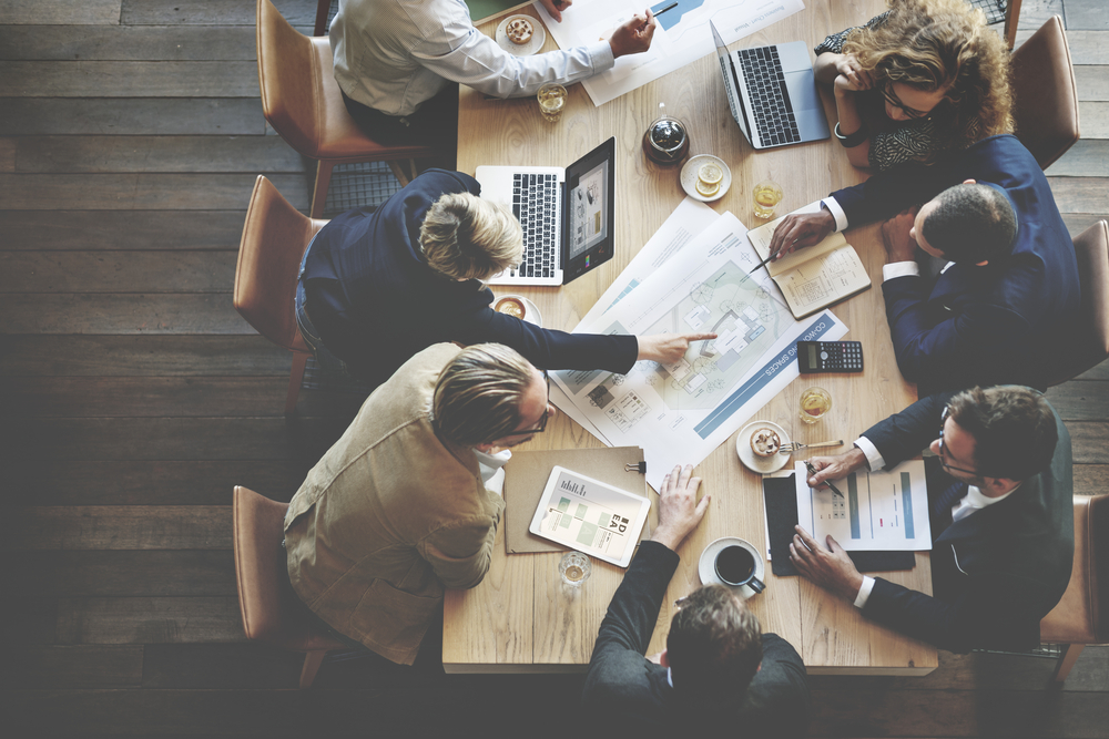 Business meeting: lavoro di gruppo