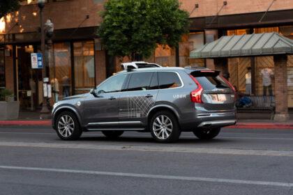 Auto a guida autonoma Uber