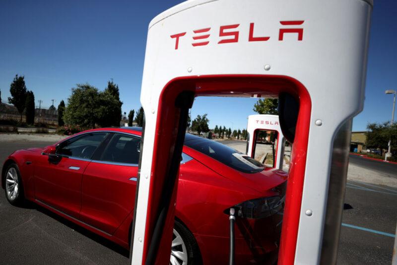 Tesla, veicoli elettrici