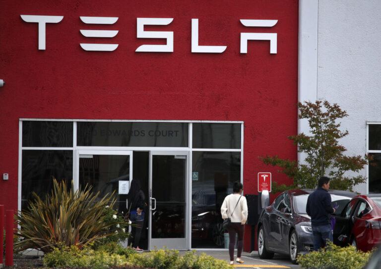 le azioni Tesla entreranno nell'S&P500