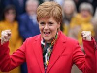 Nicola Sturgeon, primo ministro scozia (assorbenti gratuiti)