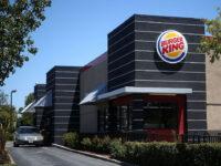 burger invita a comprare dai rivali, mcdonald's