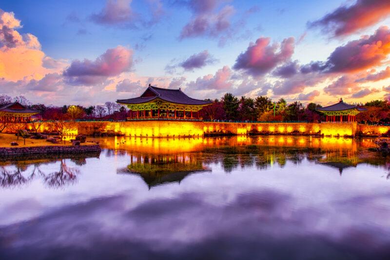 Tramonto a Donggung Palace and Wolji Pond nel Parco Nazionale di Gyeongju