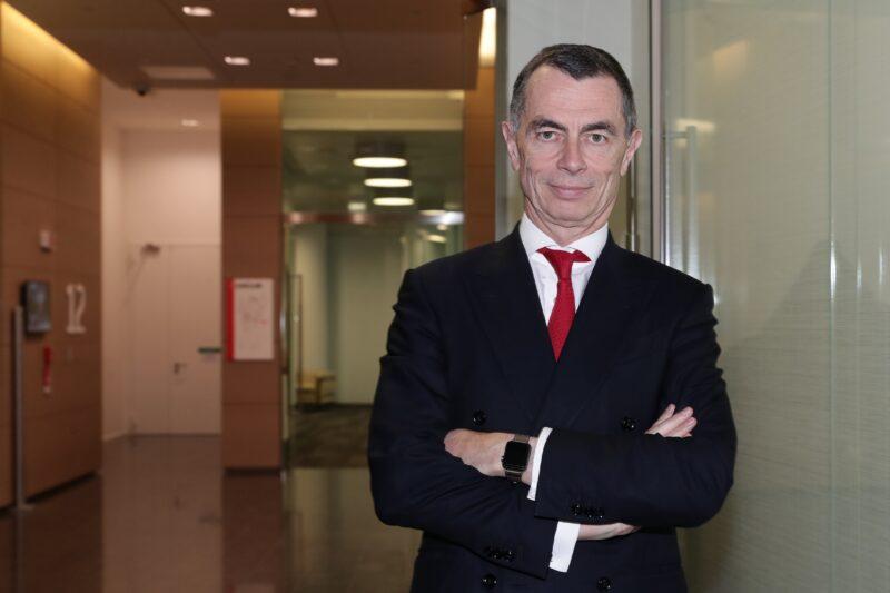 Jean Pierre Mustier lascerà il suo ruolo di ceo di Unicredit.