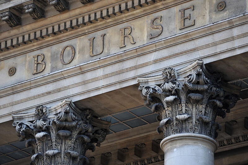 Delphine d'Amarzit, la prima donna a capo della Borsa di Parigi