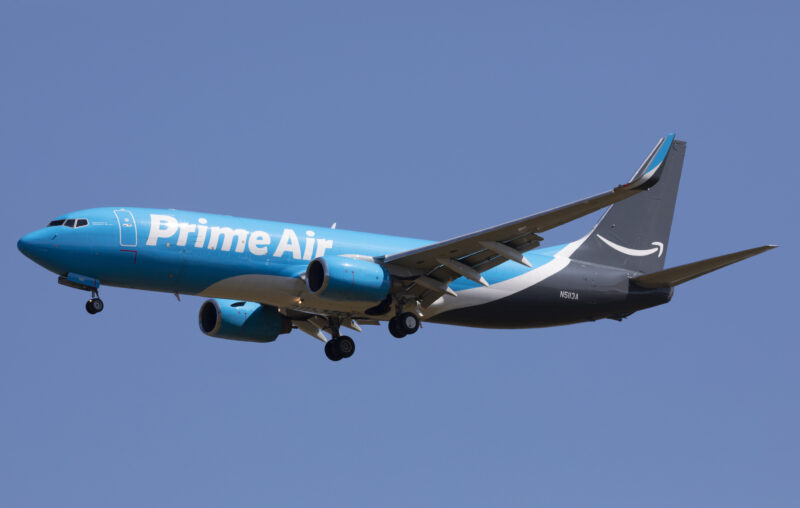 Un Amazon Air Boeing 737