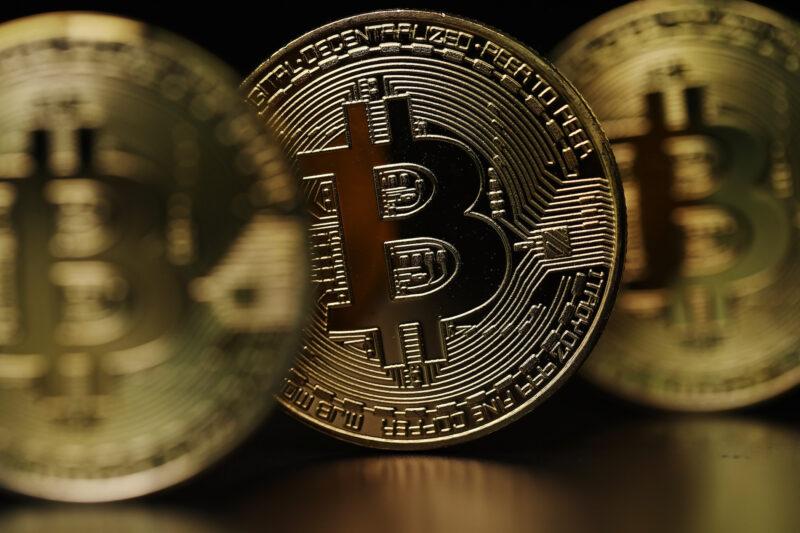 bitcoin torna a valore, come le altre criptovalute