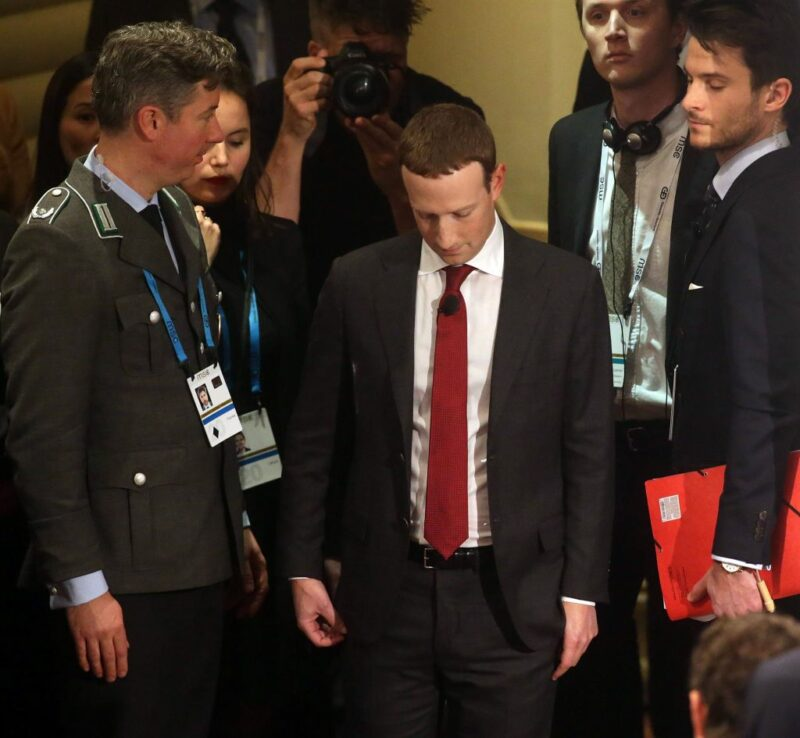 Mark Zuckerberg triste