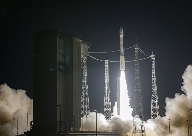 Vega Avio spazio