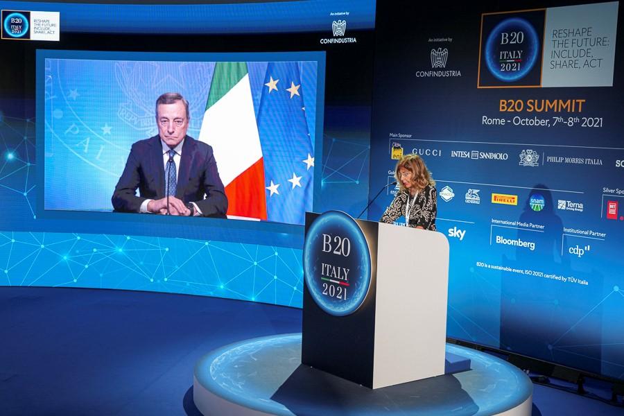 Emma Marcegaglia consegna le proposte del B20 a Mario Draghi